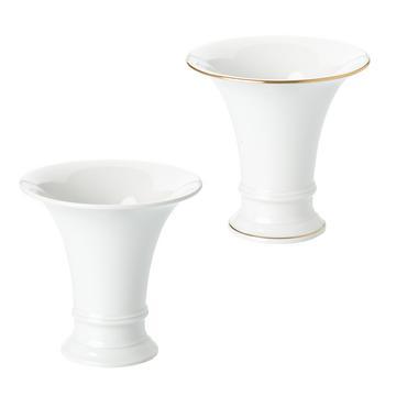 """""""Trompete"""" vases"""