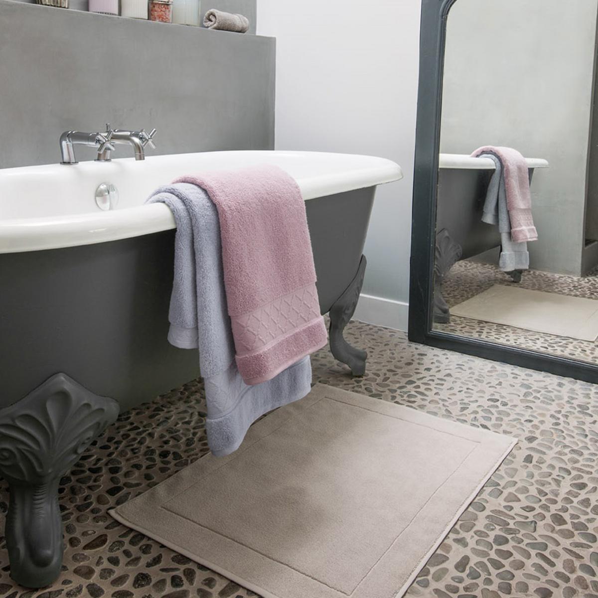 Le Jacquard Francais Caresse bath mats  59b6744ac