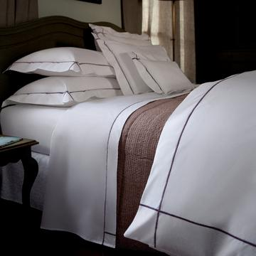 """Athena"" bed linen"