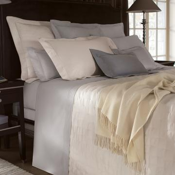"""Triomphe"" bed linen"